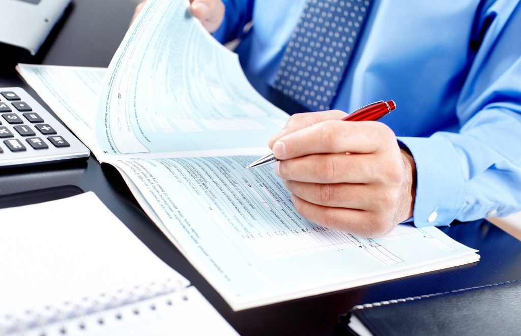 Top Reasons To Hire A Professional For Income Tax Services