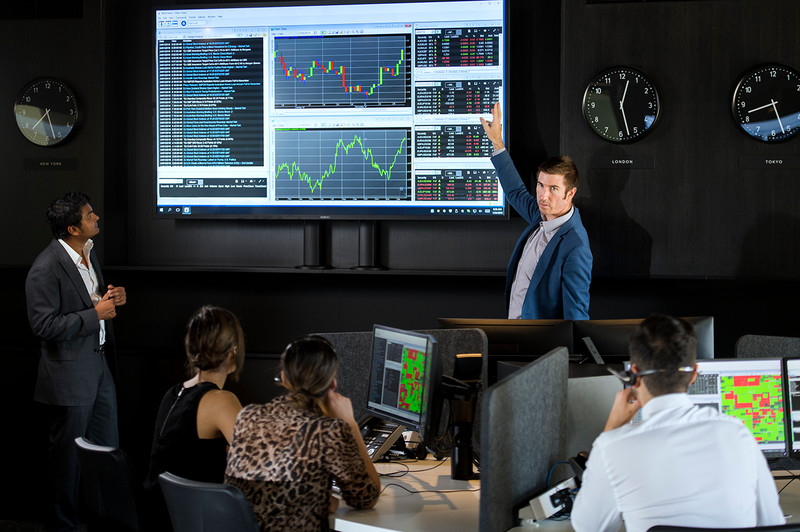 What Should You Look For in a Good E-Mini Trading Room?